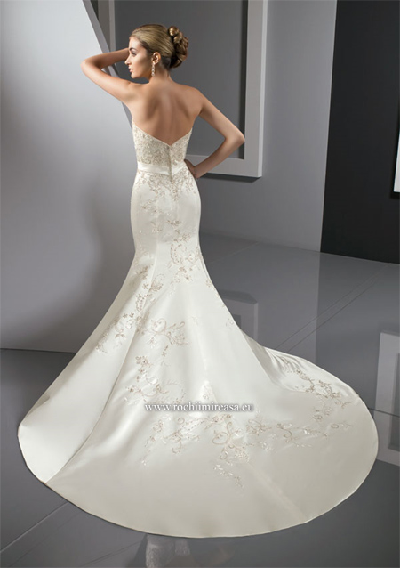 wedding dresses for hourglass shape sofie 39 s free wedding tips